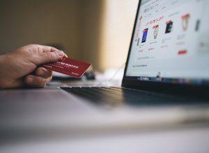 2-Topp-Slots-med-Stora-Utbetalningar-kreditkort-bärbar-dator